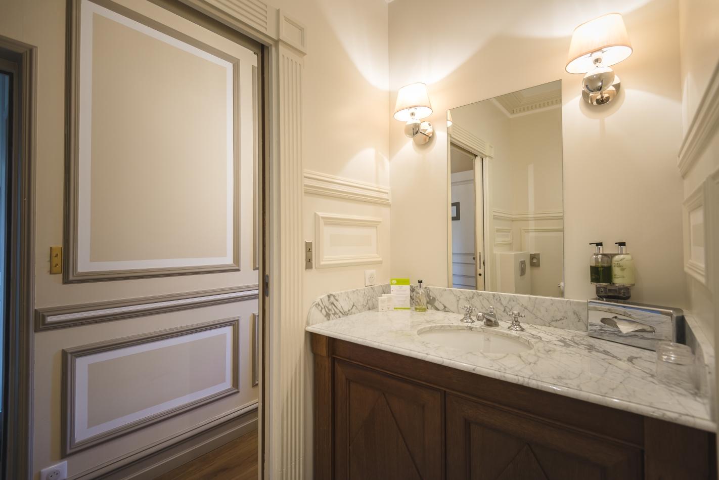 Villa Victor Louis - Chambre Classique - Salle de bain en marbre