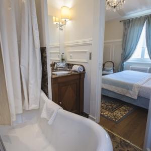 Villa Victor Louis - Chambre Supérieure - Salle de bain en marbre