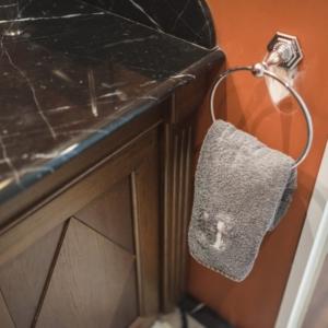 Villa Victor Louis - L'Appartement - 2 à 4 personnes - salle de bain en marbre
