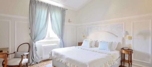 Wonderful luxury guest room located in the heart of Bordeaux