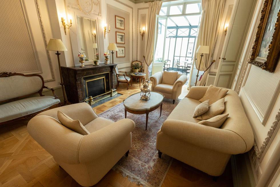 Le Salon peut être modulé en lieu intime pour vos réunions et séminaires - Villa Victor Louis