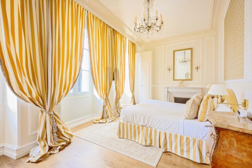 Un halo de lumière dans une Suite Prestige - Villa Victor Louis