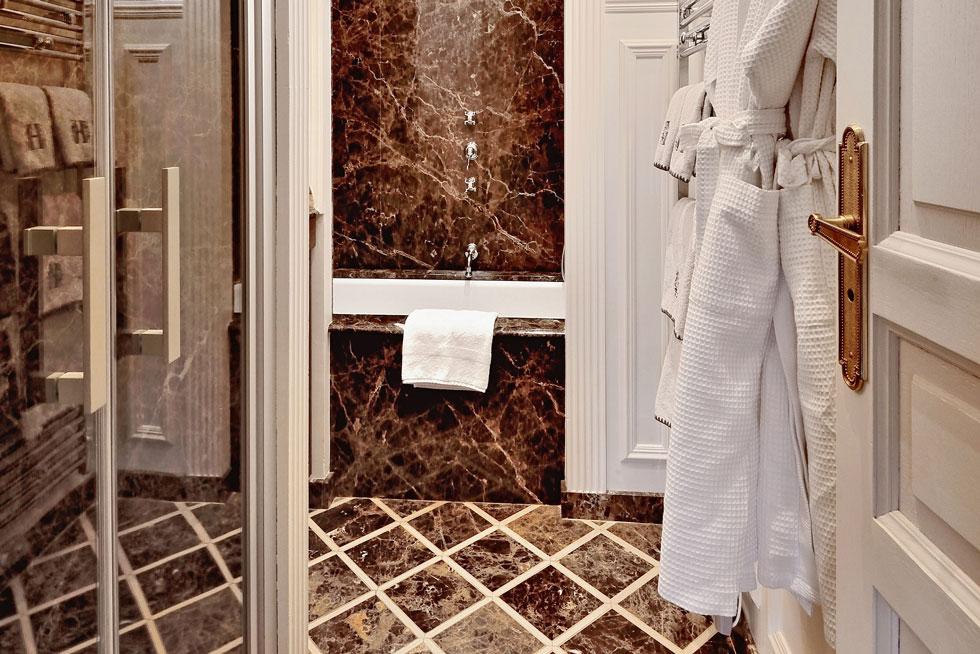 Luxueuse salle de bain de notre Suite Prestige - Villa Victor Louis